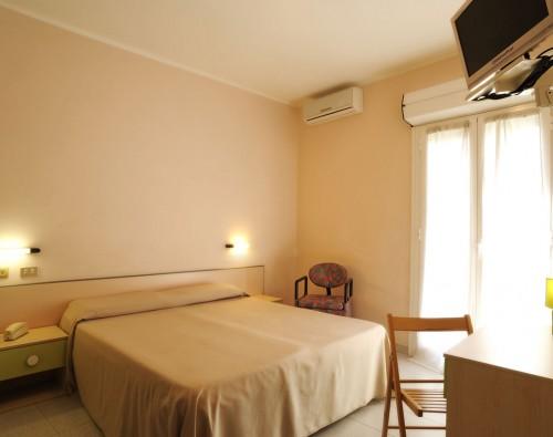 hotel-mambo-01
